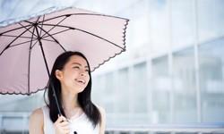 春の紫外線から肌を守るUVケアテクニック3選